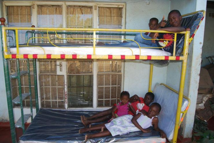 Double deck beds for sale harare for Beds zimbabwe